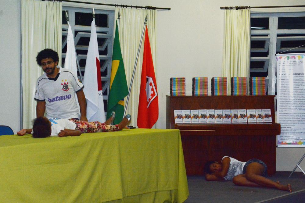 Apresentação de teatro do oprimido. Foto:Paulo Henrique Theodoro silva Leite